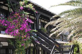 Namibia - Hier haben Sie die Möglichkeit ein Hotel mit 35 Zimmern  und eine schöne Wohnung mit Meerblick zu erwerben!